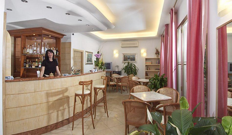 Hotel Ape d'Oro Via Campania, 20
