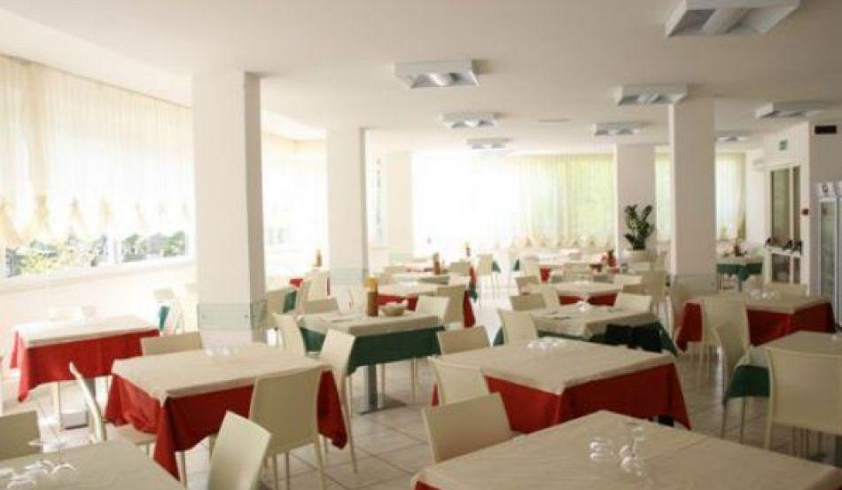 Hotel Bassetti Viale San Marino, 6