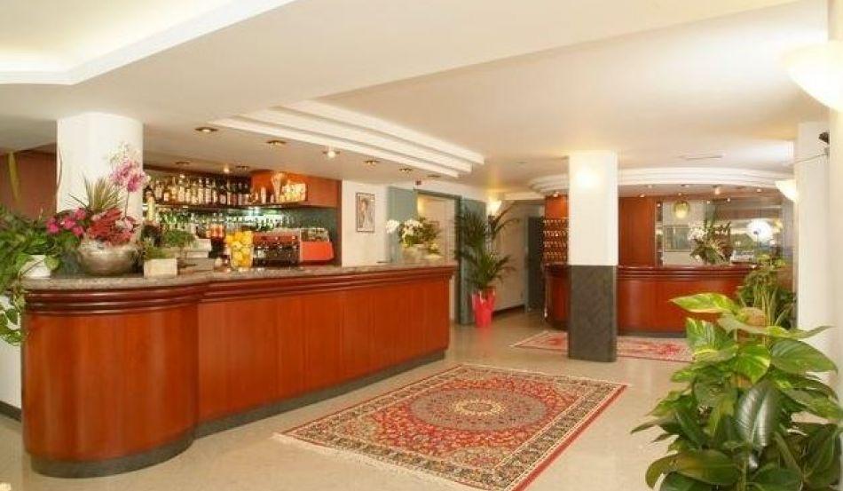 Hotel Lanzoni Via Lucania, 15
