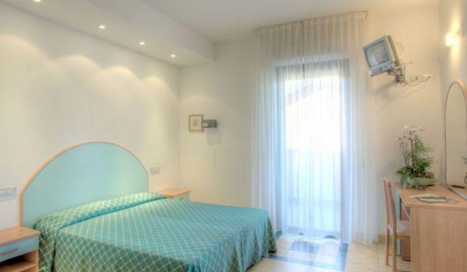 Hotel Major Viale Titano, 66/68