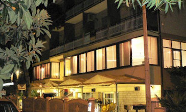 Hotel Manila Via Toscana, 8