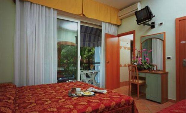 Hotel Mondial Via Titano, 43