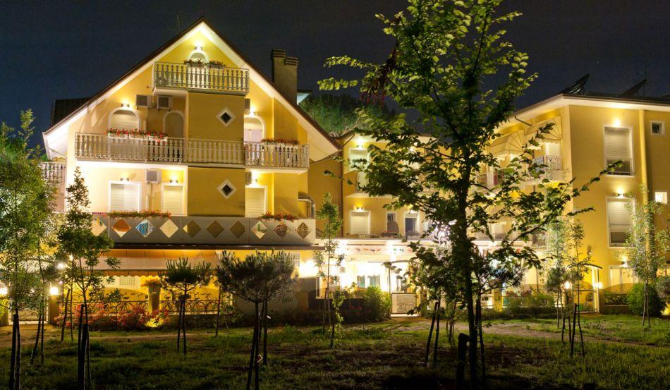 Hotel Pinetina Mare Viale Italia, 139/141