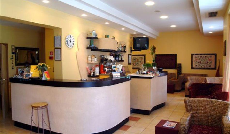 Hotel Sporting Via Marche, 2
