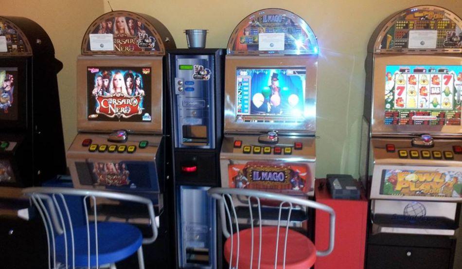 Sala Giochi Las Vegas - internet point Via Titano angolo Via Tritone