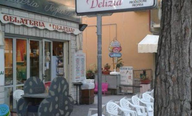 GELATERIA DELIZIA Via Mezzanotte, 10