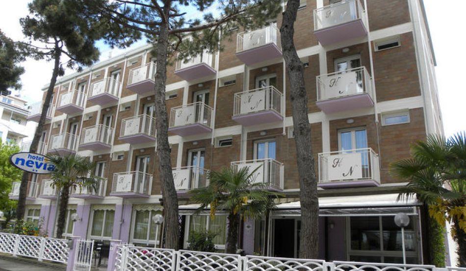 Hotel Nevia Via Marche, 3