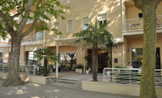 Hotel Amico V.le Emilia, 70